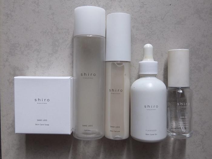 素材選びからこだわったナチュラル系のスキンケア化粧品メーカーのshiro。肌に優しい天然の材料で丁寧につくられていること、シンプルなパッケージなどから人気を集めています。