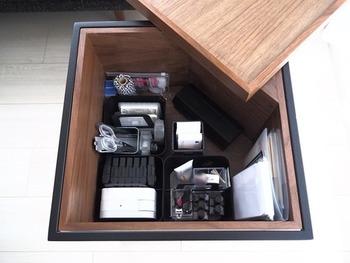 1台で様々な機能を持つ家具はあれこれと揃えずにすみ、お部屋にゆとりが生まれます。とくに収納機能のついた家具は便利。テーブルやソファ、ベッドなど大きな家具こそ収納できるものが◎