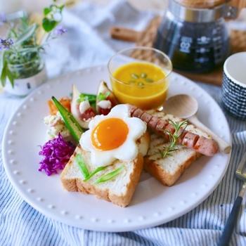 「洋食が食べたい気分」というときや、「朝はパン」という人はこちらのレシピをどうぞ。 今、SNSなどで話題のお洒落なカフェ風メニューを紹介します。休日のブランチにもピッタリです。