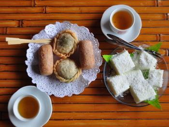 台湾は上質な茶葉の生産地。台湾茶はお土産でも人気ですよね。九份には美味しいお茶と絶景、ノスタルジックな雰囲気のすべてが味わえる素敵な茶芸館が点在しています。飲みきれなかったお茶はパウチに入れて持ち帰ることができるので、色々な茶芸館をハシゴして各店のお茶を飲み比べてみて。