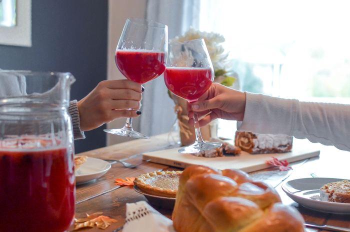 「おいしい」を共有することも、気のおけない関係の熟成に繋がります。食事をしながら会話を弾ませて暮らしを豊かにしていきましょう。