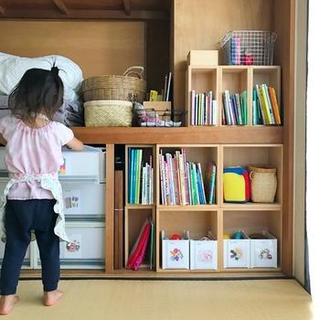 「片づけなさい」と言うよりも、まずは、子どもが片づけやすい仕組みをととのえて、少しずつ自分でできることを増やしてあげられたら良いですね。