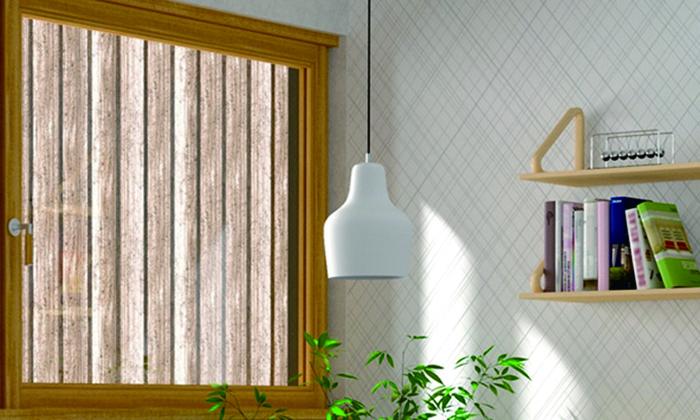 1954年にアルヴァ アアルトによってデザインされたという、iittalaのガラス製ペンダントライト。小さなライトでも、その存在感と温かみはさすがの一言。