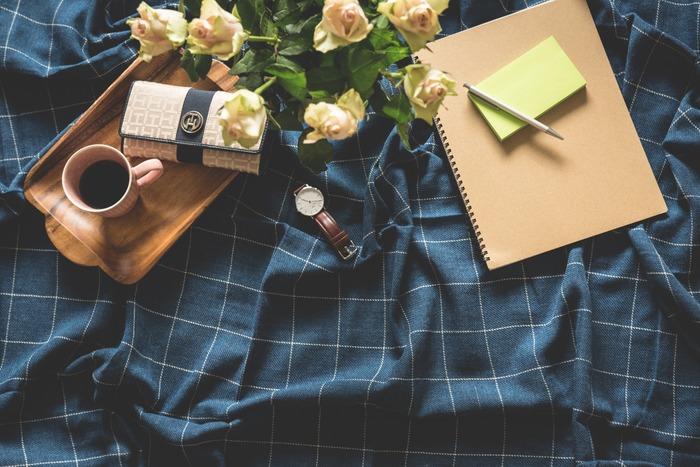 スケジュール管理をする手帳とは別に、ライフログ用のノートや手帳を作ってみませんか。日々の生活を記録することで、自分自身を知ることができたり、学んだことを記憶に定着させたりと、さまざまなメリットがあります。