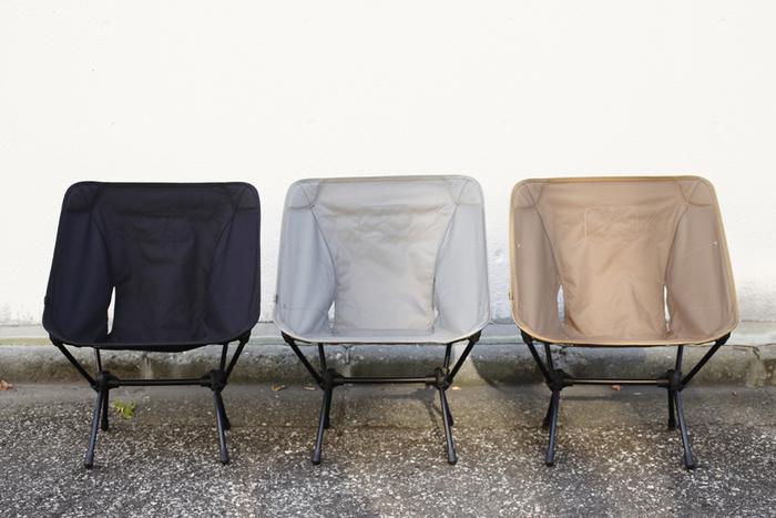 心地よい座り心地、そして軽量で持ち箱びが楽な「Helinox(ヘリノックス)」のアウトドアチェア。どんなお部屋にも合うシンプルなデザインとカラーリングが特徴です。