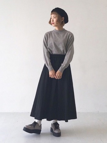 ベレー帽も秋に大活躍なファッションアイテムの1つですね。これ1点でぐっと秋らしい雰囲気に。季節感を取り入れるのもおしゃれさんへの第一歩!