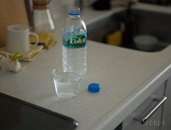 少し小ぶりなグラスは、一つ一つハンドメイドで作られています。シンプルながらもぬくもりのあるデザインで、思わず手に持ちたくなるグラスです。
