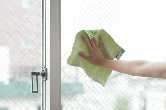 3.2METsの「窓掃除」のカロリー消費量は、30分の作業でおよそ60㎉になります。ここまでご紹介したお掃除を組み合わせると、合計で221㎉のカロリー消費量です。(※すべて30分の作業で計算)ちなみに洋菓子ならシュークリーム一個(147㎉)、エクレア一個(200㎉)、カスタードプリン一個(151㎉)分のカロリーを消費する計算になります。