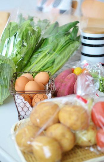 今年は台風や猛暑の影響で野菜が高騰しています。せっかく旬の美味しい野菜を購入しても、間違った保存方法をしていると早くダメになってしまったりと、せっかくの野菜の美味しさが台無しになってしまうことも。