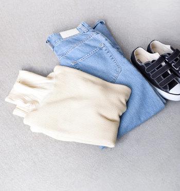 秋冬のコーディネートに欠かせないタートルネックトップスは、できるだけ先取りしてオシャレをアピールしたいもの。ぜひ薄手のタートルネックを活用して、秋冬ファッションをいち早く楽しんでみてくださいね♪