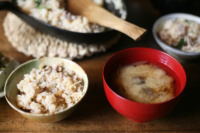 ぬくもりのある飯椀によそったふっくら炊きたてご飯と、旬の素材で作った自家製のおみそ汁を盛ったお気に入りの汁椀…なんだか心が和みますよね。秋の食卓をより豊かにするために、こだわりの飯椀と、それに合う汁椀を探してみませんか?