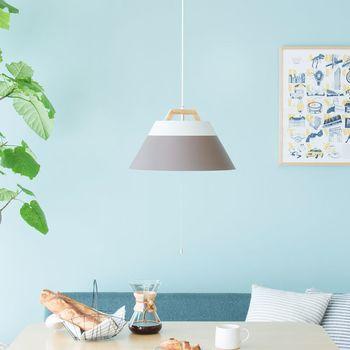 明るいツートンと木製の上部が北欧の雰囲気。色違いもあるから、お部屋の雰囲気に合わせて選べます。
