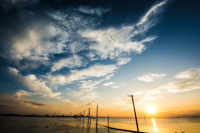 海沿いをゆったりと歩き、有名な観光スポットへ足を伸ばし、美味しいものを食べて温泉でリラックス。日帰りでも一泊でも楽しめる、千葉県房総エリアのおすすめスポットをご紹介します。
