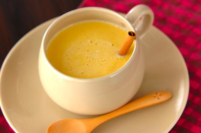 秋の味覚、かぼちゃ×柿のミルクドリンクです。ほっこりする甘さに思わず笑みが溢れる美味しさ。風邪予防にもおすすめです。