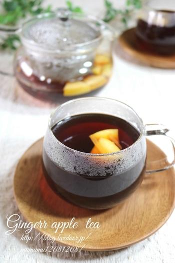 ジンジャーピールとりんごで美味しい紅茶を作ってみましょう。ドライりんごやりんごチップスでもいいですし、他の果物で作ってみても◎。