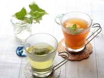 爽やかな香りが漂うレモングラスのハーブティです。レモングラスは、気分をリフレッシュさせてくれます。作り方も簡単なので、ぜひ。