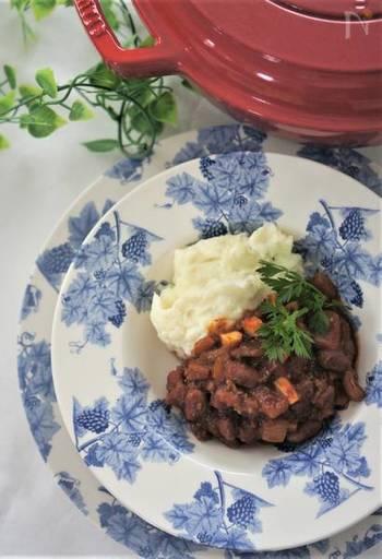 筍を使ったチリコンカン。トマトソースと金時豆は缶詰を使ってもOKです!