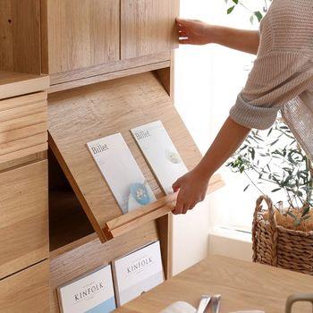 キッチン収納ではちょっと珍しく、マガジンラックを選択することも可能。キッチンでよく見るレシピ本やお気に入りの絵を飾っても。中にはお鍋やストックを収納すれば、隠しながら見せる収納ができちゃいます。