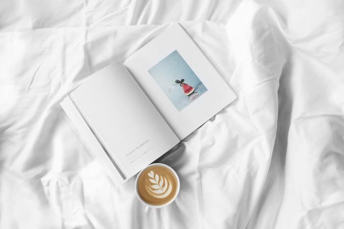 旅と本は相性のいいコンビ。本は私たちの想像を掻き立ててくれて、行ったことのないところへと誘ってくれる力があります。また本は、自分が知らなかった旅先情報を教えてくれる、旅への不安をかき消してくれる存在でもあります。