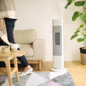 居住空間の快適さを維持するために必要な季節家電。特に冬場は、家で過ごす時間が必然的に長くなりますので、暖房の類はしっかり頼れるものを選びたいですよね。決して安い買い物ではない家電だからこそ、よく吟味して、自分の暮らし方にぴったりくるものを選びましょう。