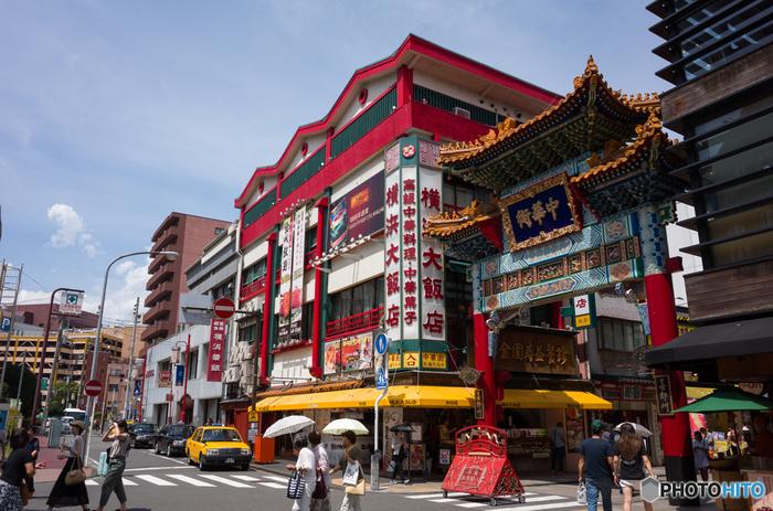 都内からアクセスすれば、日帰りでも楽しめる横浜の中華街。美味しい食事を楽しむのはもちろんですが、せっかく中華街まで足を運んだら、観光、そしてお土産購入まで思う存分満喫したいですよね。そこで中華街でおすすめの観光スポットやお店をご紹介します。山下公園やみなとみらい、元町もいいけれど、中華街で1日楽しんでみてはいかがですか?
