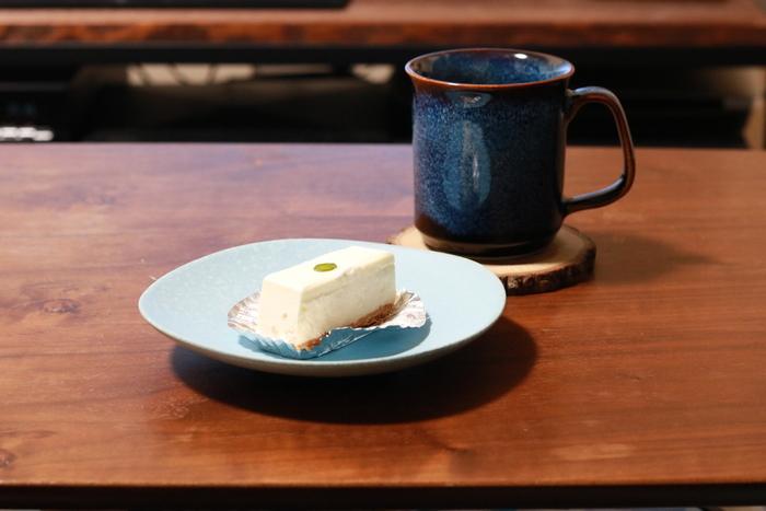 東京でレアチーズケーキを買うならここ!ともいわれているほど、スイーツ好きの間で有名なのが、赤坂に軒を構える「西洋菓子しろたえ」。