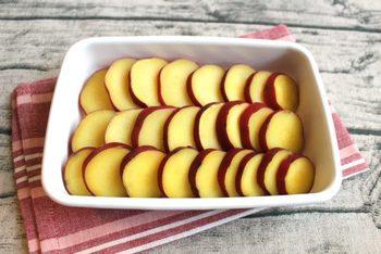 断面の黄色がキレイなさつまいもは、しっかりアクを抜くことでキレイな黄色に仕上がります。もっとはっきりした色に仕上げたい時は、くちなしを使っても◎ 日持ちがするので、お弁当に入れたり常備菜にしたりと大活躍します。