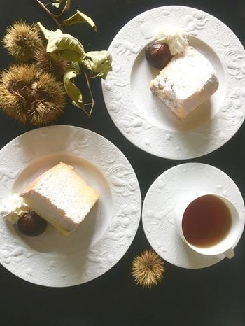 しっとりずっしりだけでなく、フワッフワのケーキでも栗の渋皮煮は大活躍。粗く刻まれた渋皮煮の食感とフワフワ食感がなんとも楽しいスイーツです。