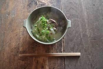 深さがあるので具沢山のスープでも大丈夫。にゅうめんやうどんといった、和食メニューでも活躍します。
