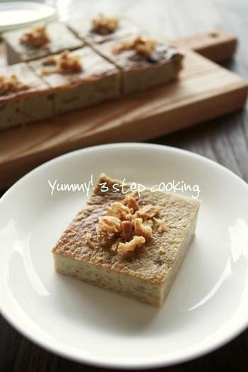 タイのデザート・カノムモーゲン風に作ったデザート。カノムモーゲンに使うタロイモを里芋に代用して作っています。スイートポテトの様なデザートで、食べやすくおすすめです。