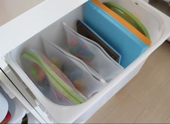 おもちゃ箱の中もこんなにすっきり。立てて収納できるので、ぱっとみて中身が把握しやすいですね。
