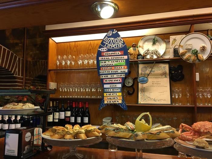 続いては、スペイングルメに欠かせないアンチョビが美味しい店。店名はベスク語で『チェペチャ』と読みます。