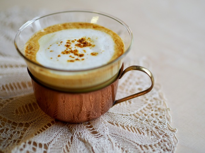 朝起きて喉がイガイガ…それは風邪の引き初めかもしれません。 そんな時は、インド発祥の『ゴールデンミルク』を毎日の朝食にプラスしてみませんか?