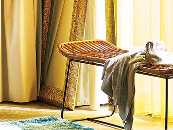 どんなテイストのお部屋にもしっくり馴染み、優しく暖かな空間づくりの手助けをしてくれるラタンのインテリア。軽やかでぬくもり溢れるラタンを、お部屋のインテリアに取り入れてみませんか?