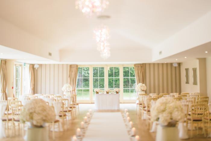 結婚式は大切な人の人生の大きな節目であり、その人がもっとも輝く日でもあります。 きちんとしたマナーでゲストの立場を心得てお祝いし、素敵な日にしてあげたいですね♪