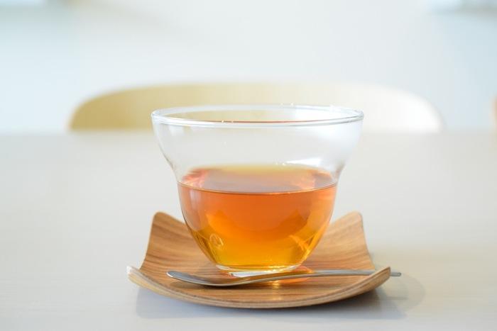 こだわりの紅茶は、兵庫・芦屋の紅茶専門店Uf-fu(ウーフ)の茶葉を一杯ずつ丁寧に淹れています。 もちろんコーヒーもこだわりの豆を使っており、美味しいコーヒーを飲むことが出来ます。