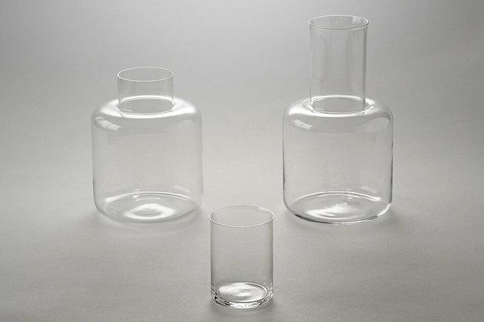 吹きガラスの技法で作られた、滑らかで美しいガラス製品が魅力の「スクルーフ」。一点一点がハンドメイドで作られていて、二つとして同じものがないのも魅力です。