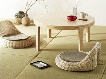和室にだってしっくりはまるラタン素材。明るめのラタンの座椅子は、青々とした畳とよく馴染み、居心地の良い空間を演出してくれます。