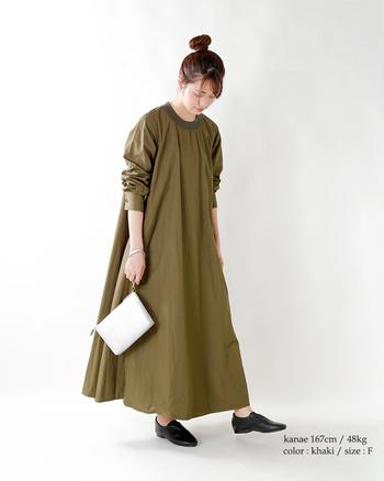 一枚でサマになる主役級のワンピース。自分らしい着こなしを楽しめるデザインを選んで、この秋のコーデを楽しんでくださいね。