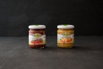 なんと砂糖を加えずに作られた有機ジャムです。いちごとオレンジの2種類で、どちらも果実がぎっしり。なんと果実量50%というから驚きです。食パンに塗ると、まるでフルーツサンドのような味わいに!