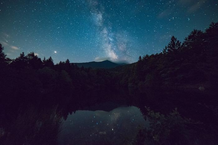では、ここからはセンチメンタルな秋の夜長に楽しみたい過ごし方をご紹介。  センチメンタルな気持ちを晴れ晴れとした気持ちにしたい方も、あえてセンチメンタルな気持ちに浸りたい方も読み進めてみてくださいね♪
