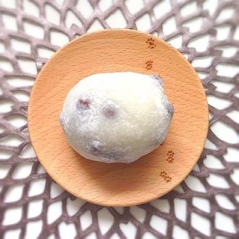 若者の街・原宿にある、昔ながらの和菓子屋さん「瑞穂(みずほ)」。その豆大福は、朝から行列ができるほど手土産として人気を集めています。