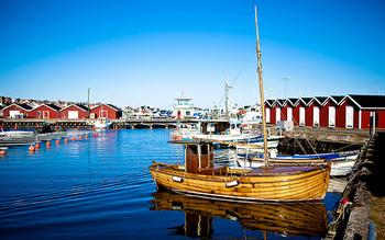 スウェーデン第2の都市と呼ばれているヨーテボリ。ストックホルムから列車で約3時間、スウェーデンとデンマークの間に広がるカテガット海峡のそばにあり、自然と都会のふたつをどちらも満喫できる場所。大学都市としても知られており、小さくても個性のあるお店も多く、北欧雑貨が好きな方にはおすすめのエリアとなります。できれば1日、宿泊込みでゆっくり訪れて欲しい場所です。