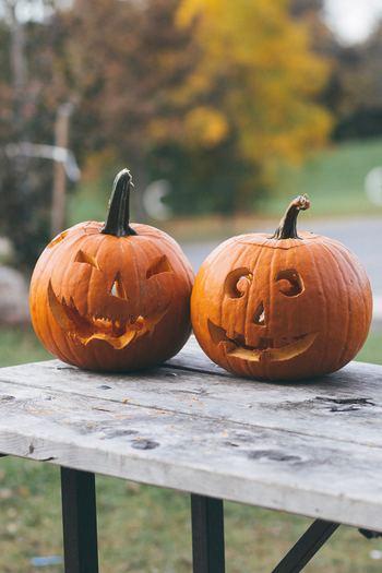 ハロウィンといえばおなじみの「ジャック・オ・ランタン」。かぼちゃをくり抜いたランプですが、ハロウィンの夜これに火を灯すのは魔除けの意味があります。