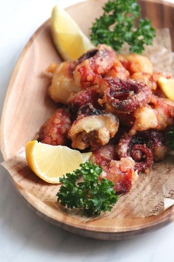 【タコの唐揚げ】 和にも洋にも似合うタコの唐揚げ。定番の鶏の唐揚げもいいけれど、たまにはこんな居酒屋風なメニューもいかがでしょうか?