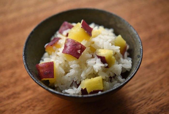 今回は、旬の素材を使った美味しい「塩麹・醤油麹レシピ」を集めてみました。簡単で作りやすいものばかりなので、気軽に試してみませんか?