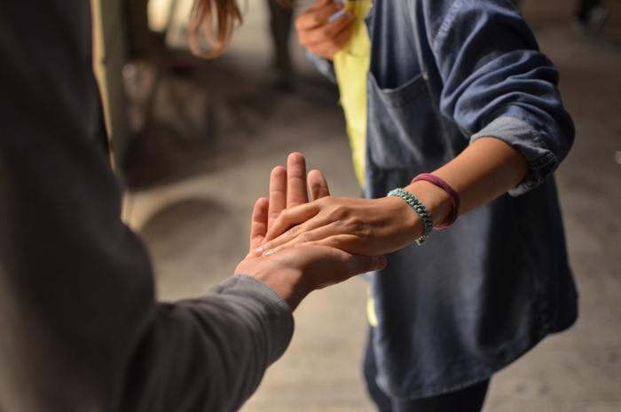 まずは断ることは悪いことじゃない、と心に刻みましょう。そして、はっきりとNOと伝えることで互いに気持ちの良い関係性を築いていけたら嬉しいですね。