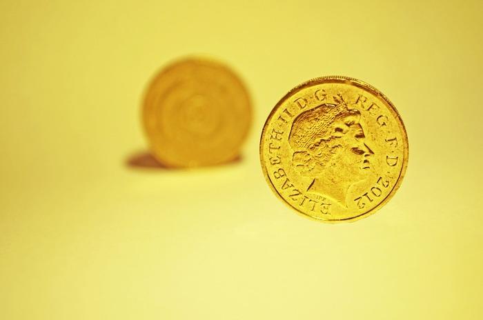 さらにエリザベス女王の肖像が上になっている状態で落ちていれば、なお幸運を招くとされ、拾った硬貨は「ラッキーペニー」と呼ばれます。日本で拾ったら、ものすごい幸運が舞い込んできそう♪