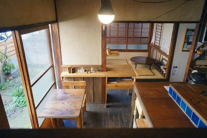 木造アパートを改装した店内は、古民家を訪れたような懐かしさが漂ってます。席数は少なめですが、カウンター席・テーブル席・お座敷があります。アットホームな雰囲気でのんびりできそうですね!