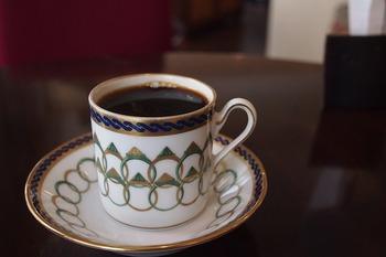 こだわり抜いた豆を自家焙煎し、ハンドトリップで丁寧に淹れるコーヒーを味わえます。 コーヒー好きにはたまらないですね。